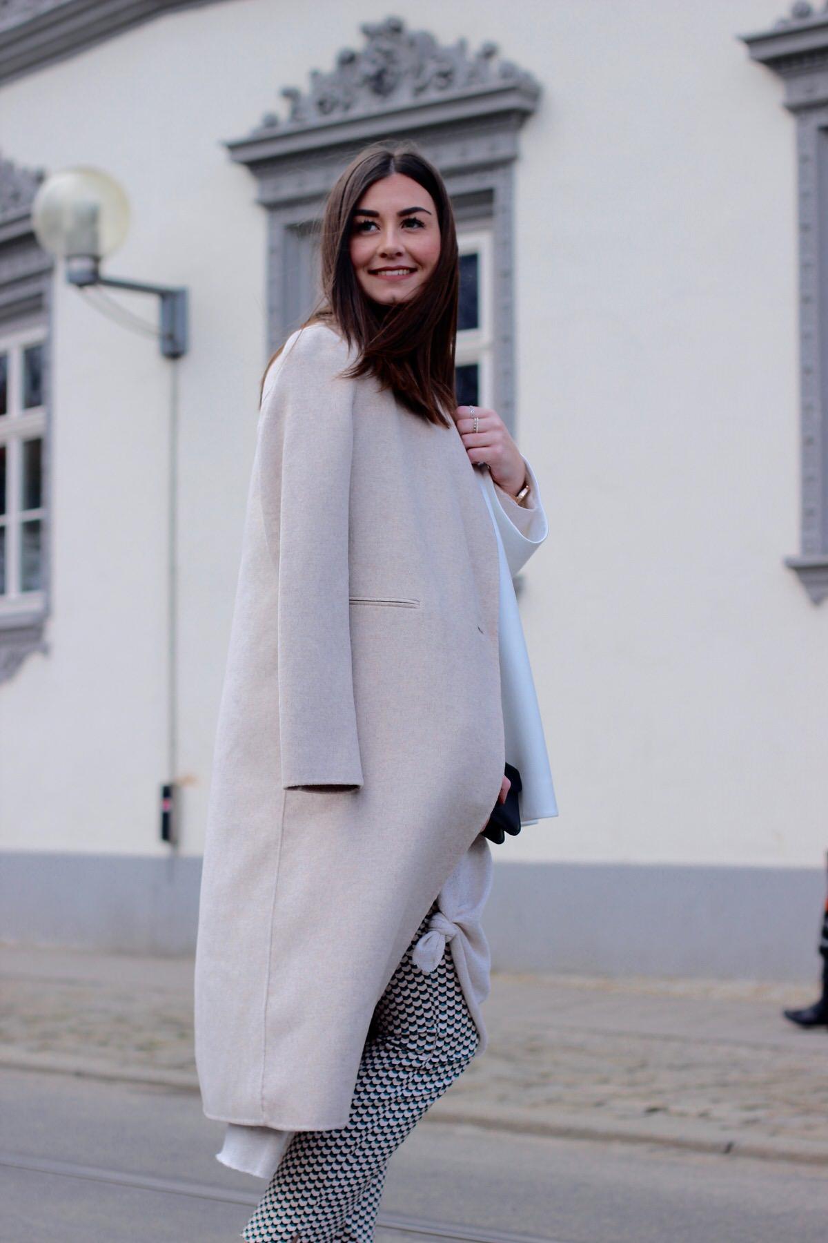 Proenza Shouler, beige coat, Mantel, Slipper, Stoffhose