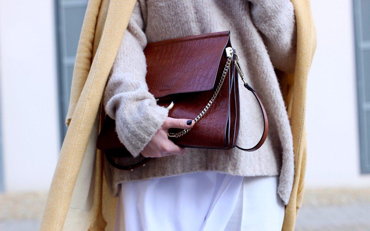 Culotte, Plateau Brogues, Chloé Faye, gelber Mantel, Edited Pullover
