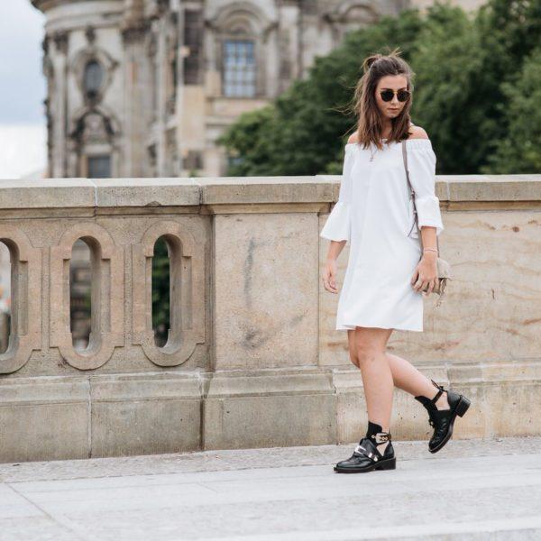 Asos Off Shoulder Kleid, Balenciaga Ceinture, Chloé Faye, Kapten & Son, Balenciaga Boots, Pandora, Manuel-Pallhuber, Berlin, Streetstyle