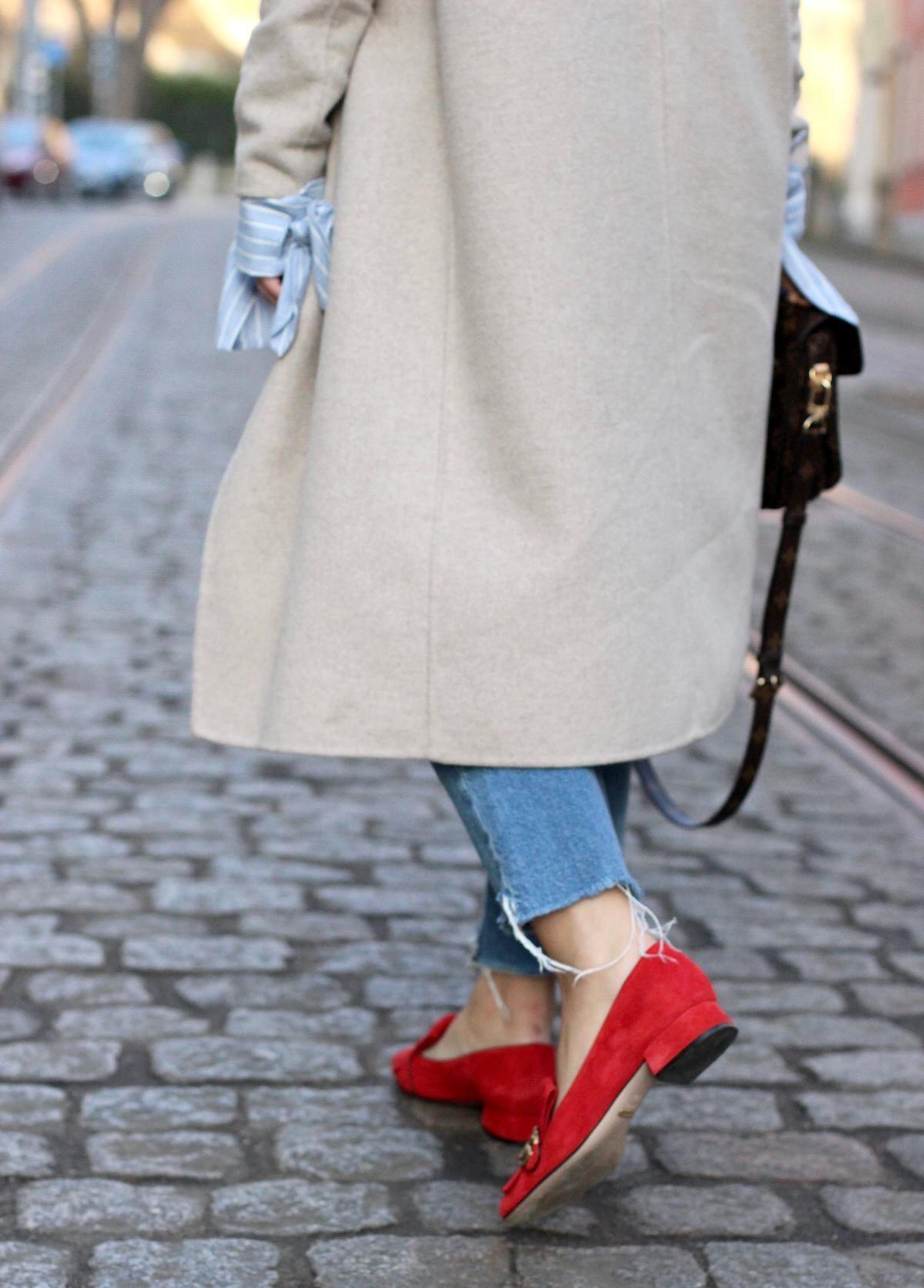 Gucci College Pumps GG Marmont, Louis Vuitton Pochette Metis, Edited, Streetstyle, Dior Sonnenbrille, Jeans abgestufter Saum, Zara