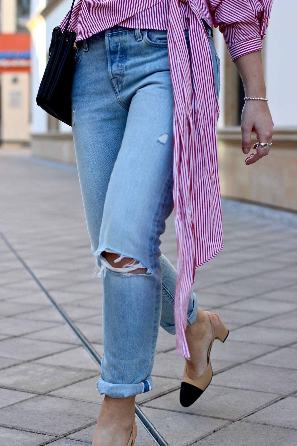 Chanel Slingbacks, Céline Trio Bag, Levis 501, Zara Bluse, Streetstyle