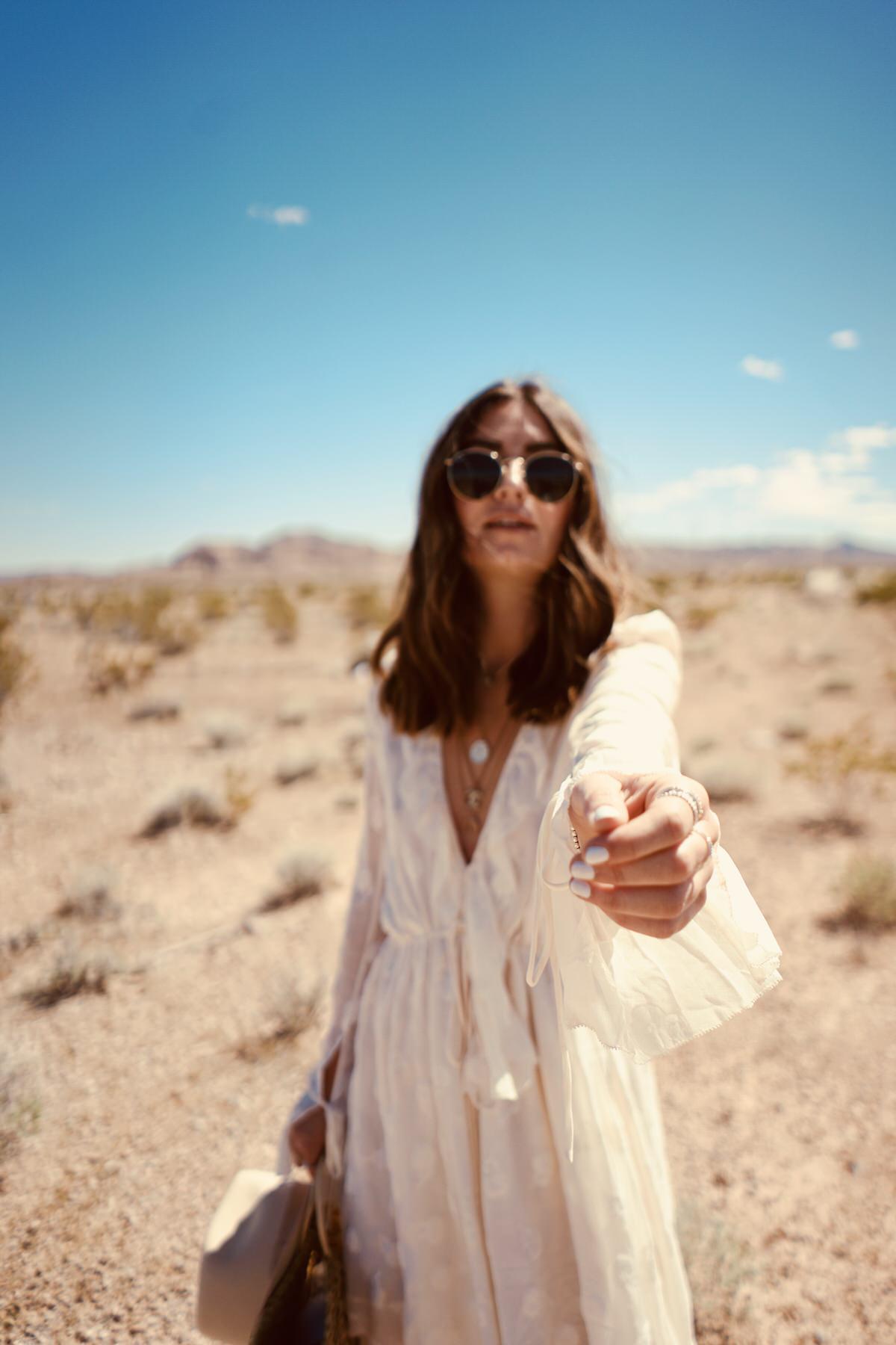 Outfit, Wüste Las Vegas, Maxi Kleid, Boho Kleid, Balenciaga Ceinture Boots, Lack of Color Hut, Ray Ban Sonnenbrille