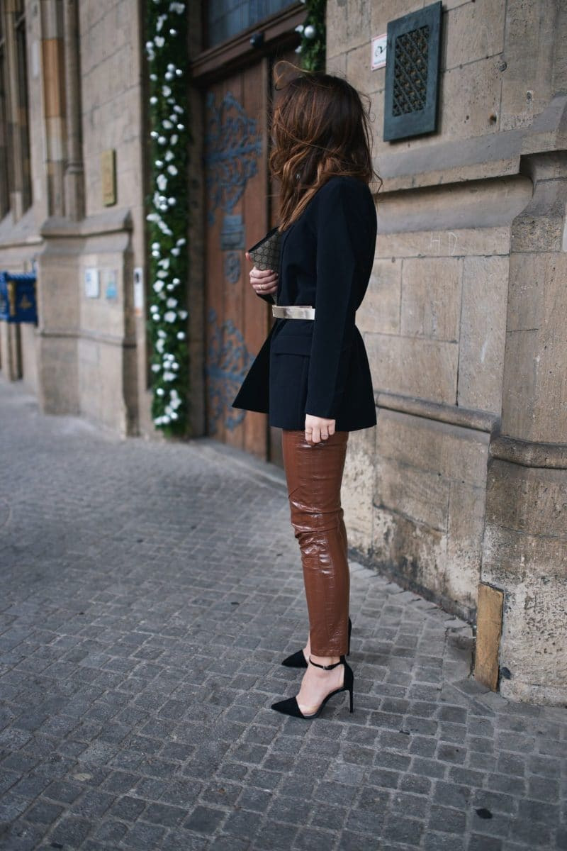 Amazon Fashion, Holiday Look, Christmas, Weihnachten, Outfit, Pinko Hose, Tommy Hilfiger Gürtel, Steve Madden Heels