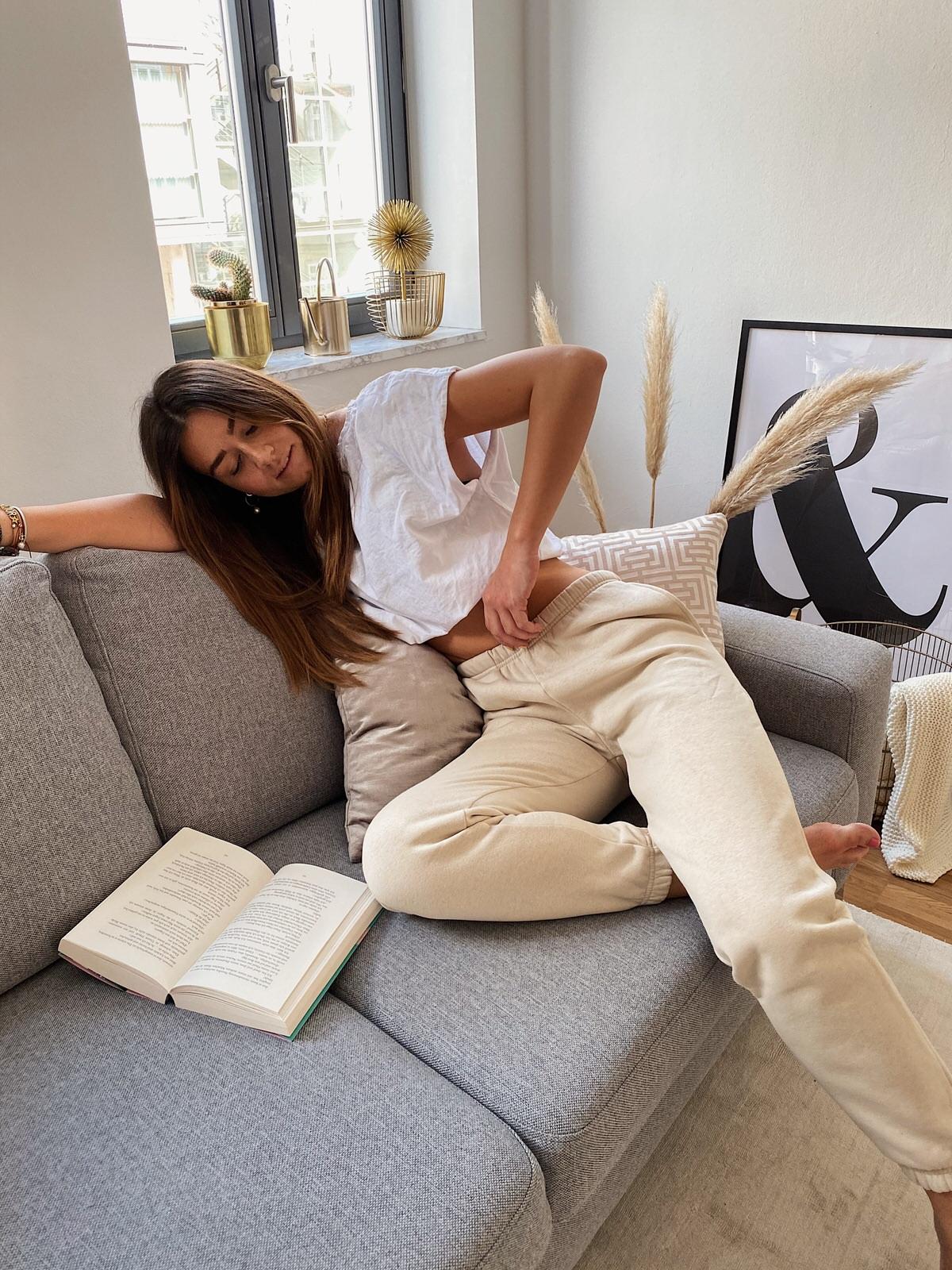 homewear, home look, sweatpants